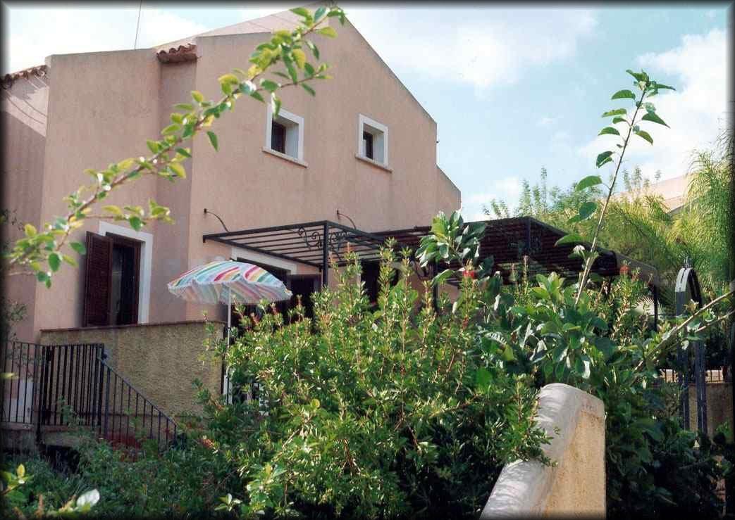 Il villaggio i giardini di baia arcile brucoli sicilia for Affitti catania privati non arredati